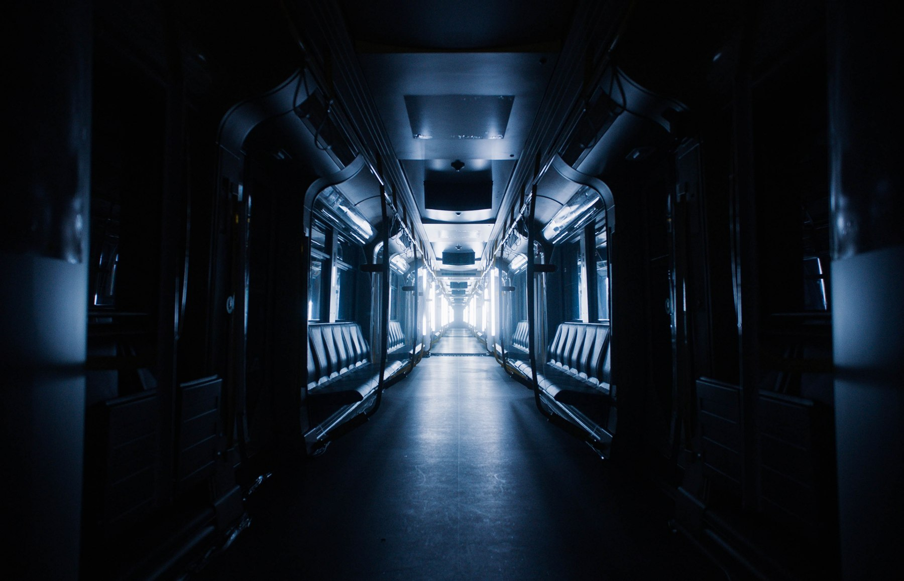 BVG_LichtImSchacht_U-Bahn_01