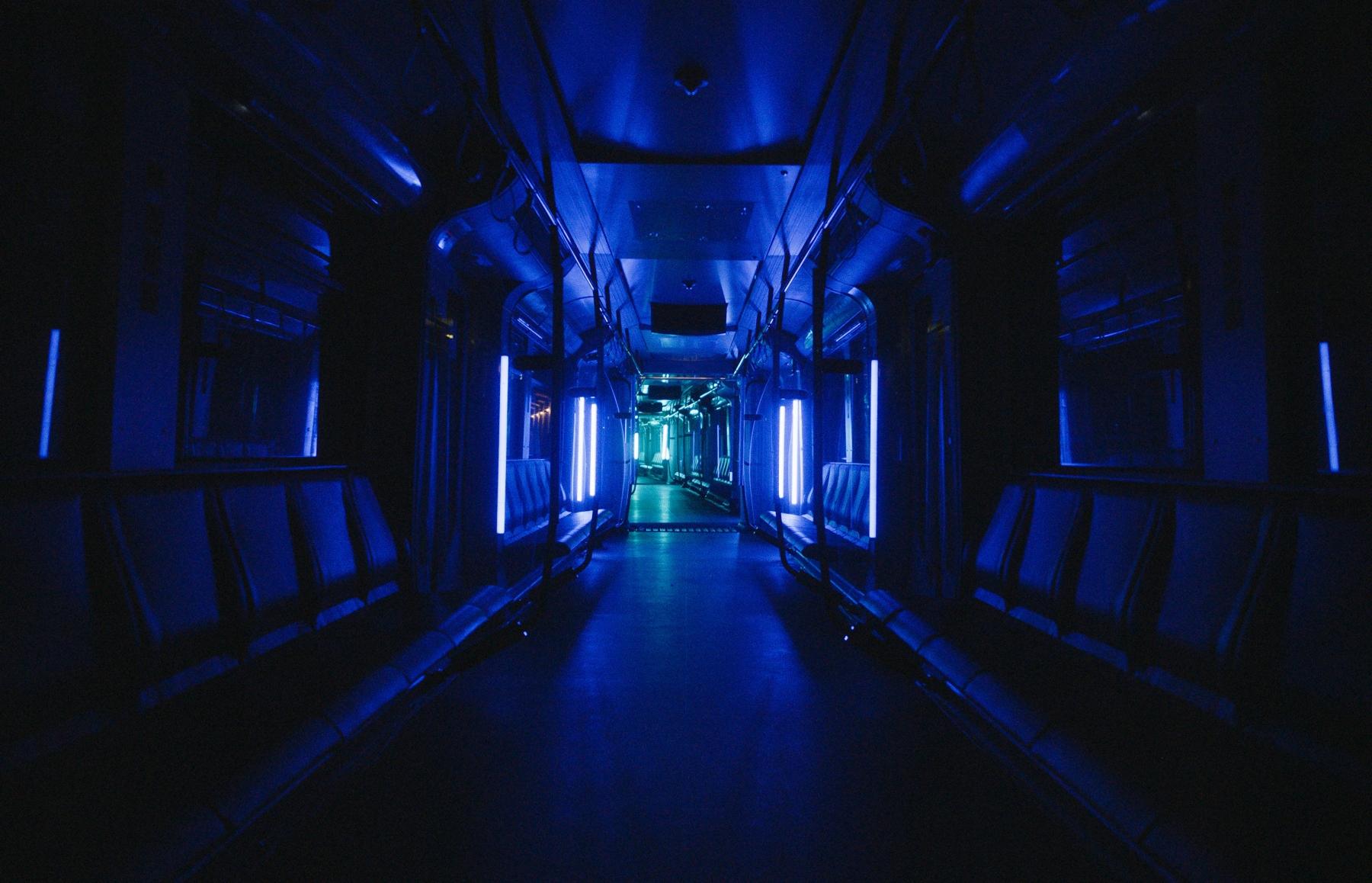 BVG_LichtImSchacht_U-Bahn_02