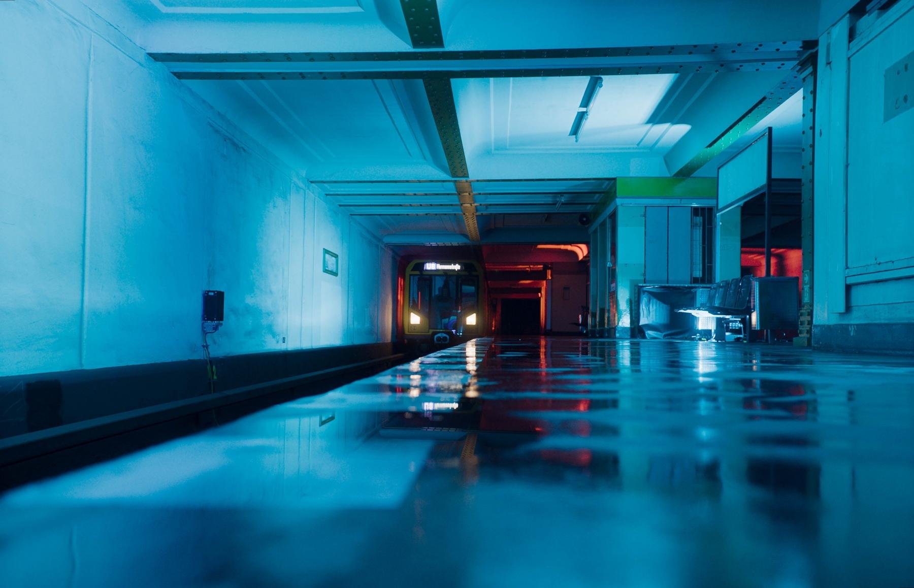 BVG_LichtImSchacht_U-Bahnhof_01