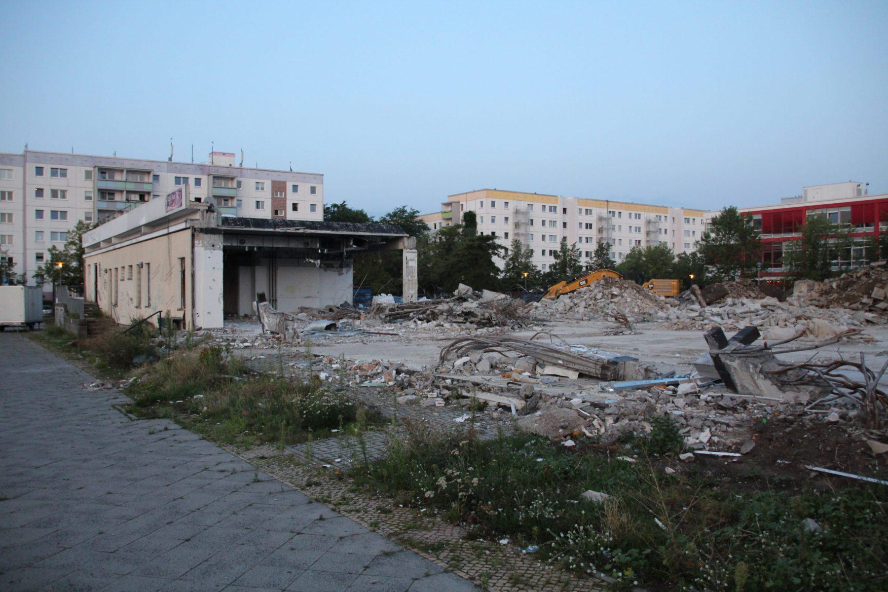 IMG_2011-scaled